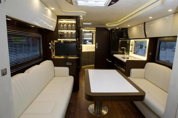 concorde reisemobile unveils centurion 1200 german rv. Black Bedroom Furniture Sets. Home Design Ideas