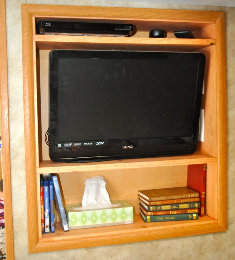 upgraded bedroom rv entertainment center mod in gulf stream 5th wheel. Black Bedroom Furniture Sets. Home Design Ideas