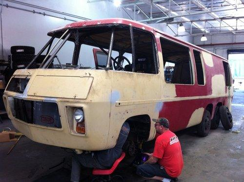 Front Wheel Drive Camper : Custom gmc motorhome attempts land speed record