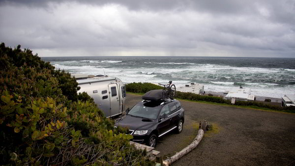 5 rv beach camping destinations fall out of your rv onto Depoe bay aquarium