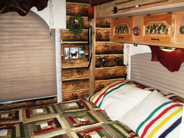 Do It Yourself Home Design: Couple Gets Closer To Nature With A Custom Log Cabin Interior