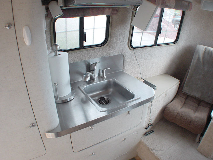 This Scamp 5th Wheel Trailer Is A Boondocker S Dream