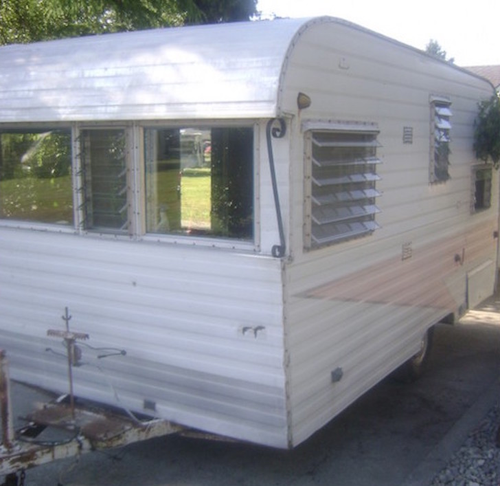 Off Road Trailer Camper >> A Husband Surprised His Wife With This Old, Rusty Trailer