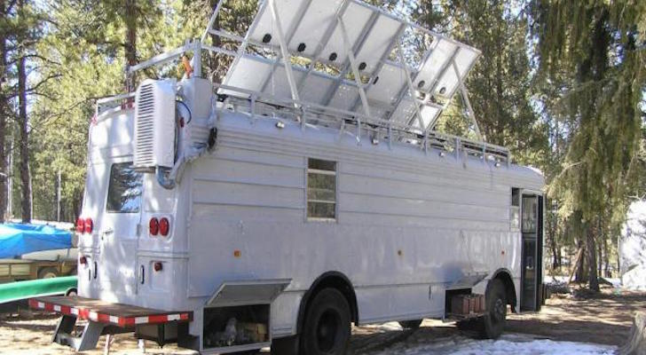His Homemade Survival Vehicle Has An Alarmingly Large 1,820 Watts Of Solar Power