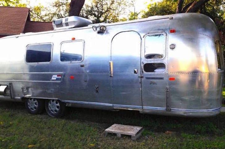 money making 1969 airstream trailer could be your blueprint. Black Bedroom Furniture Sets. Home Design Ideas