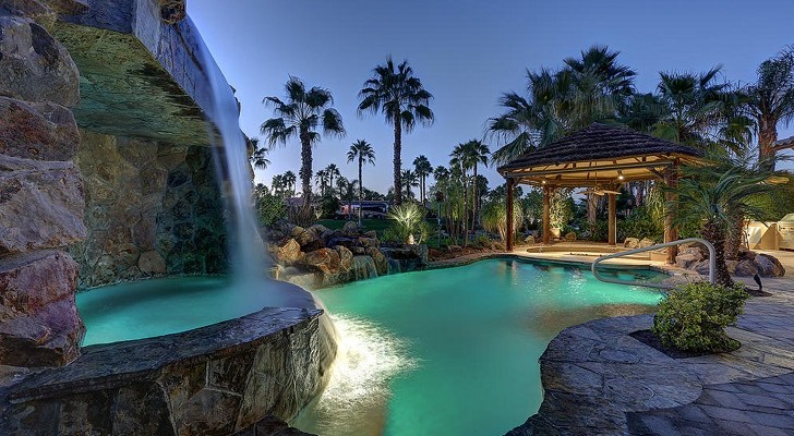 Motorcoach Resorts: Luxury Destinations For Affluent Campers