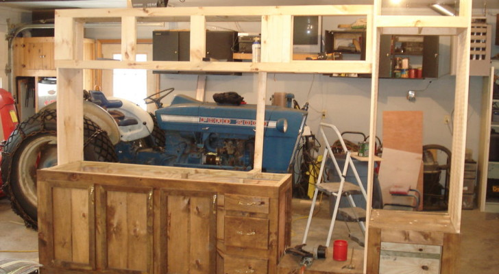 This 1993 Camper Was Headed For Scrap, So He Made A Patio Kitchen From Its Guts