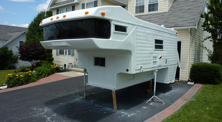 This Amerigo Pickup Camper Got A New Lease On Life –  And You'll Be Glad It Did