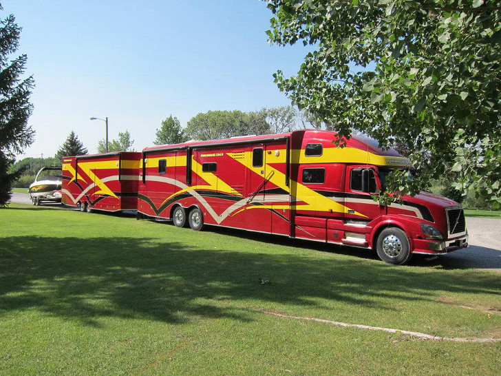 Powerhouse Mega Rv A Better Deal Than Average Motorcoach