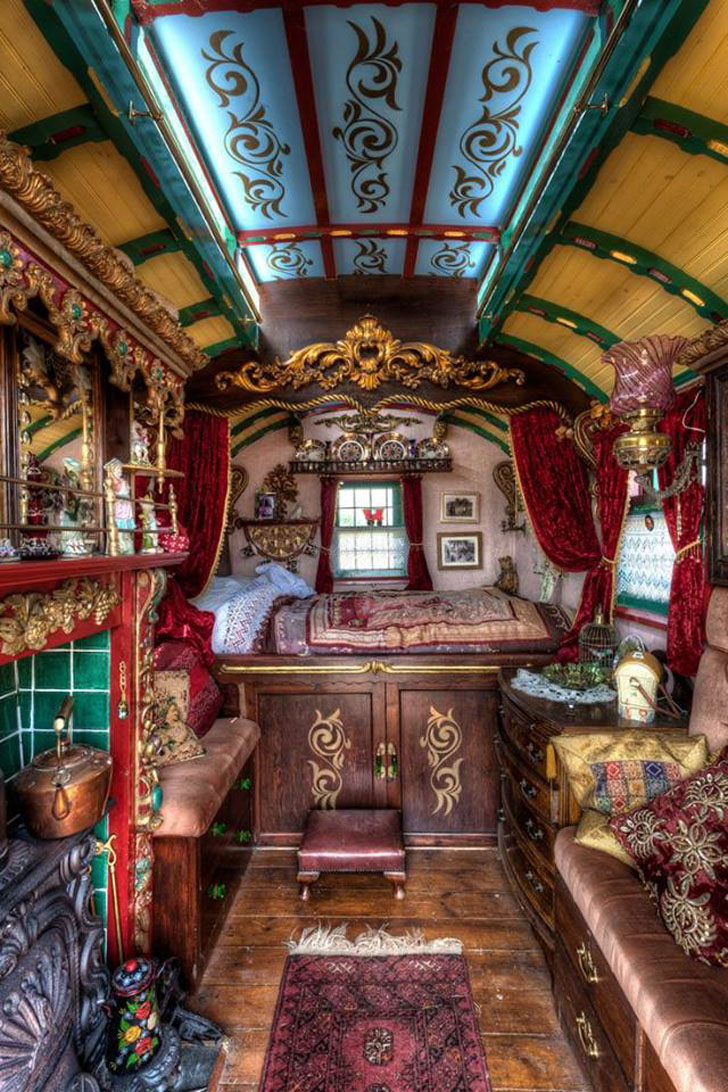 7 seriously cool housetrucks you have to see - Interior caravana ...