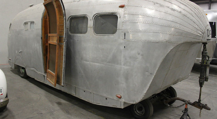 Mishmash Of An Antique Trailer Resembles A Zeppelin Rigid Airship