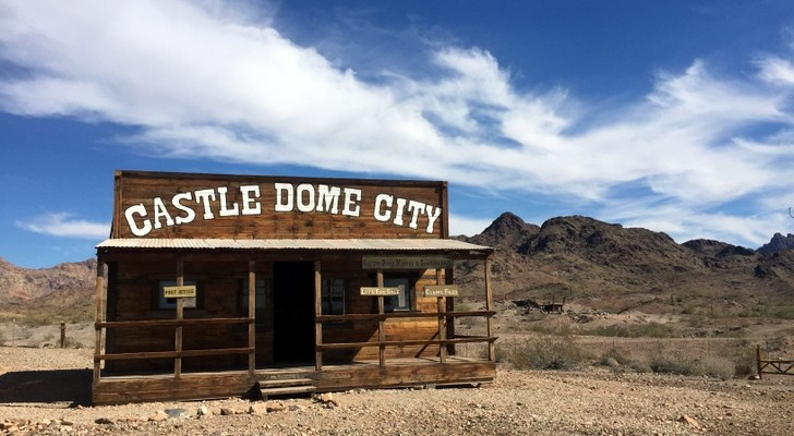 4 Of The Spookiest Ghost Towns In The Southwestern United States