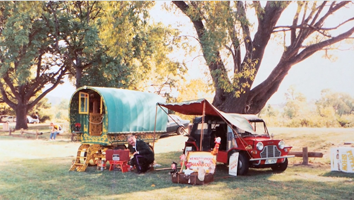 British Puppeteer Builds Gypsy Wagons From Recycled Materials