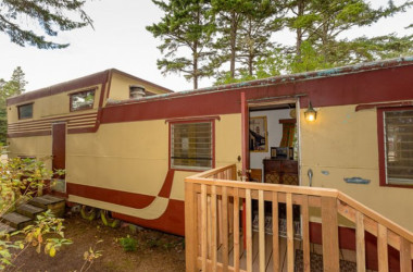 Two Story Travel Trailer A Mid-Century Treasure At This Washington State Lodge