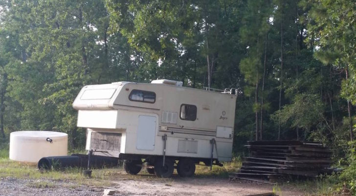 Picture Of The Day: Jayco Truck Camper Turned Homemade Travel Trailer