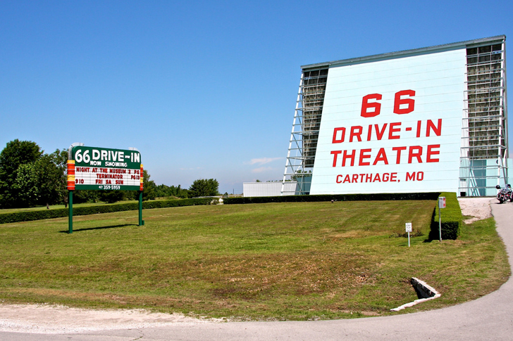 18 of the best places to see on a route 66 road trip for Drive in movie theaters still open